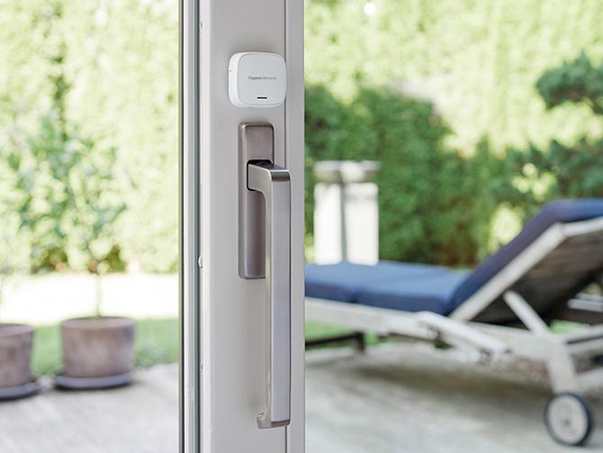 met partnersystemen meer veiligheid in het smart home gigaset. Black Bedroom Furniture Sets. Home Design Ideas